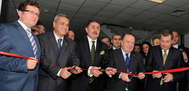 Pfizer ve Birgi Mefar ortaklığı ile Türkiye, kendi zatürre aşısını üretecek