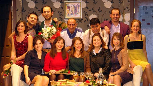 Sanofi Grubu Türkiye çalışanlarının kurduğu Lüleburgaz Tiyatro Grubu turneye çıkıyor.
