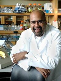 Yale Ekoloji ve Evrimsel Biyoloji Bölümü Başkanı Paul Turner